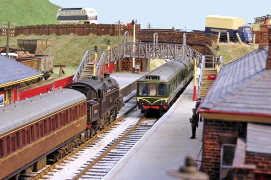 New Hey - an exhibition layout in 4mm scale EM gauge